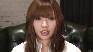 Cute MILF Mami Yuuki asian giving blowjob