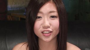 Cutie Akina Nakahara masturbates and gives a japanese blowjob