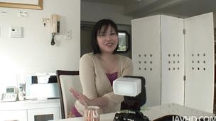 Nobu Kashima holds big cans in bonking