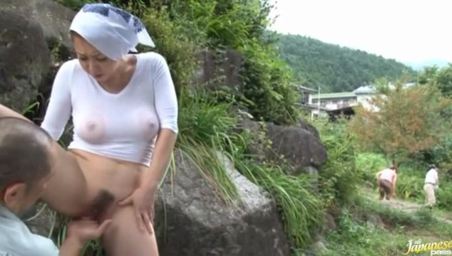 Hot outdoors sex adventure as lucky guy gets pleased