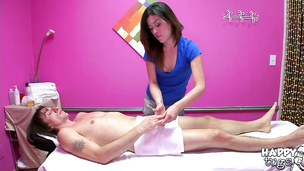 Shameless japanese woman Noni Luv receives a pulsating tool in her wet cuchy